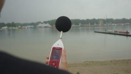 Live log, Cirrus, eersteklas meter, dB meter, 1ste klas meter, live log, online meekijken, online meeluisteren, meeluister functie, gevelmeting, 5 meter statief